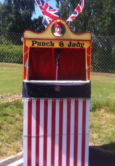 Click on an image to enlarge. OUTDOOR WOODEN BOOTH & BOOTH